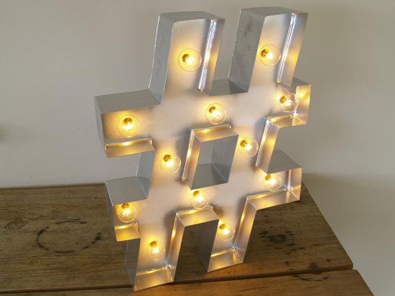 Lampe Hashtag