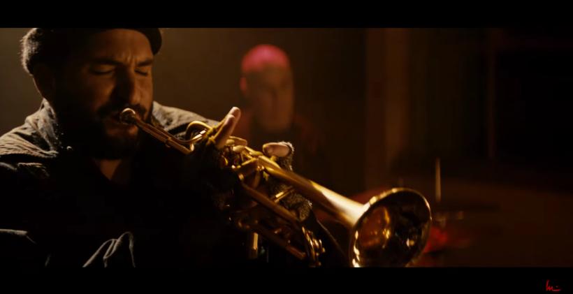 """Capture d'écran du clip musical """"Run the World (Girls)"""" par Ibrahim Maalouf"""