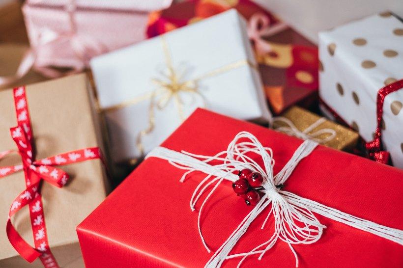 Guide 2018 de Noël des cadeaux pour les amoureux des réseaux sociaux